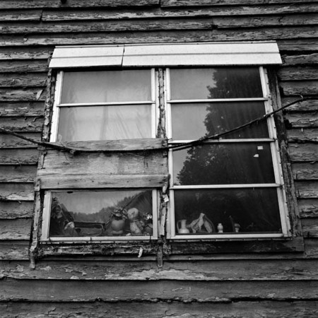 Bud Collin's window : The Appalachian Trail / Eastern Kentucky : Charlotte Oestervang Photography